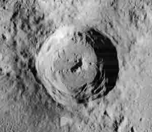 Maunder Crater