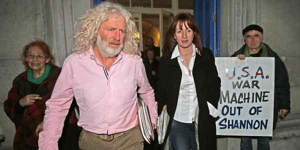 Anti war Tds Clare Daly and Mick Wallace have been jailed for refusing to pay fines