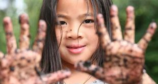 Why grubby fingers means healthy kids