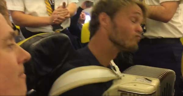 Cabin drew tell flight tell passenger he must play his accordion
