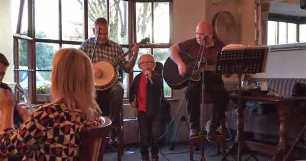 Five year-old singer performs Galway Girl with his granddad in the local pub