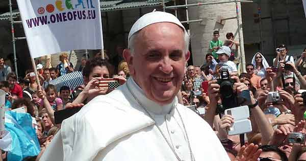 Pope Francis says fear of migrants is making people 'racist' without realising