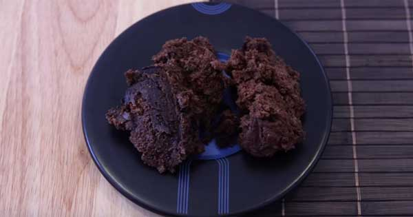 2 minutes, 2 ingredients, delicious chocolate muffins!