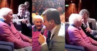 Daniel O'Donnell sings Danny Boy with 99-year-old fan
