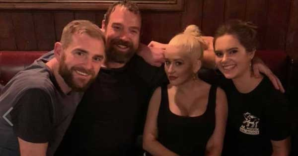 Christina Aguilera stops by Dublin pub to watch trad band perform