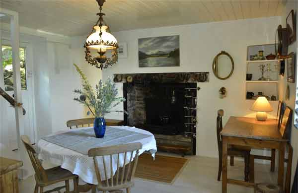 Kenmare cottage dining room