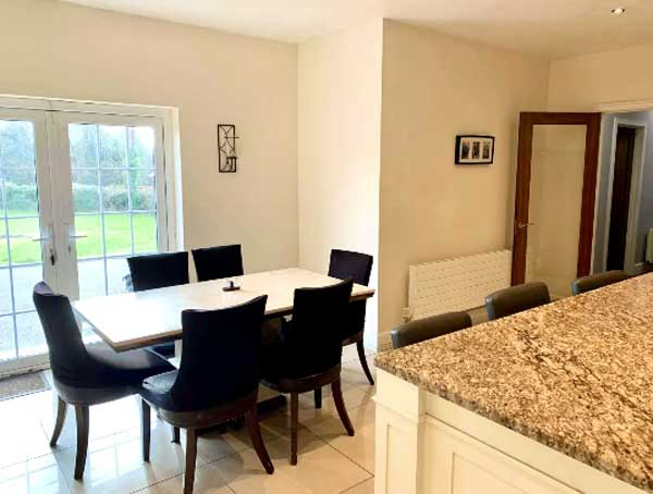 Wexford bungalow kitchen table
