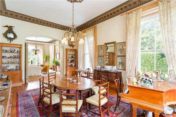 Montebello House dining table