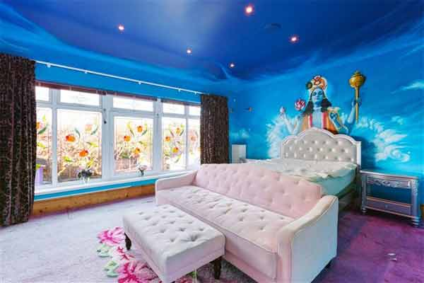 Sinéad O'Connor's seafront home blue bedroom