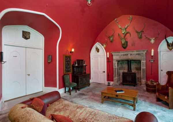 Knockabbey Castle red room